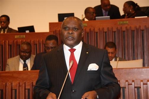 Mulémbwè perde eleição à presidência do Parlamento Pan Africano