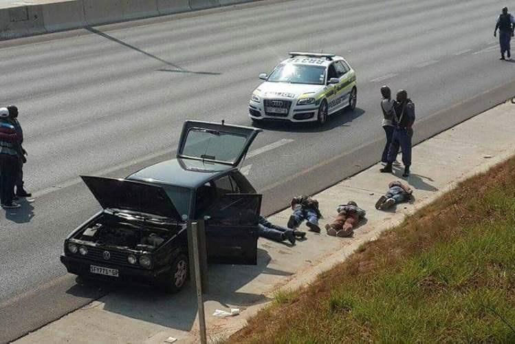 Polícia da RSA captura assaltantes de viaturas na Maputo-Witbank
