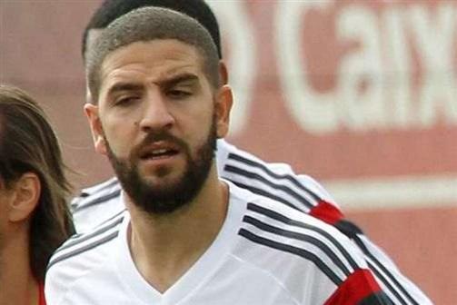 Taarabt vai cumprir contrato com o Benfica