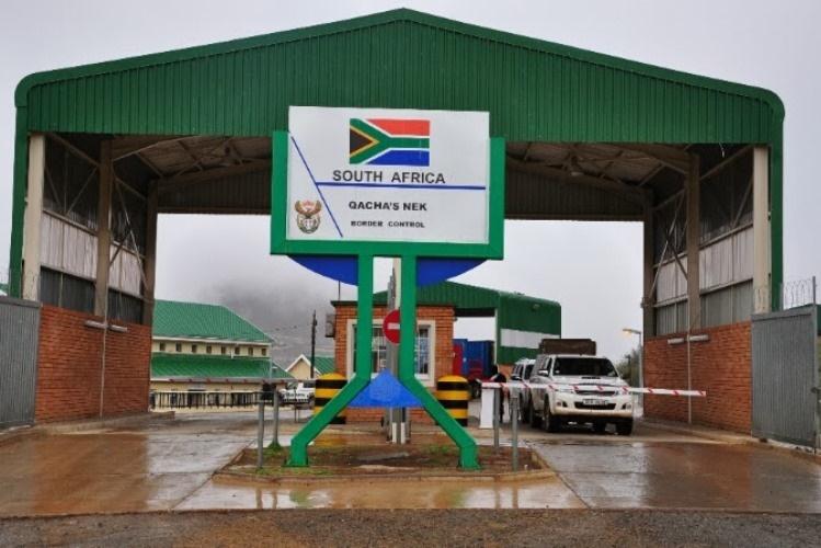 Novas regras para atravessar fronteiras com viaturas de matrícula sul-africana
