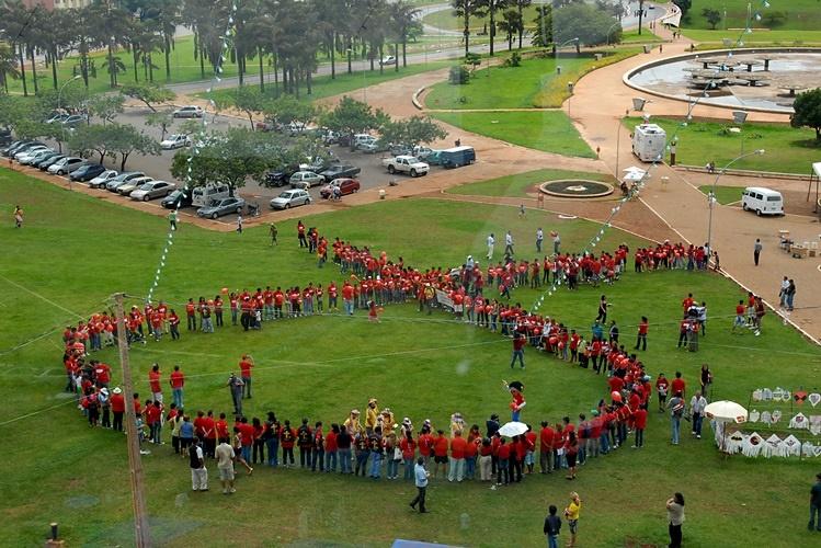 "Dia mundial da luta contra a sida sob o lema ""Chegar a Zero"""