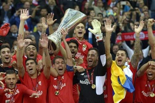 Equipas espanholas dominam futebol europeu