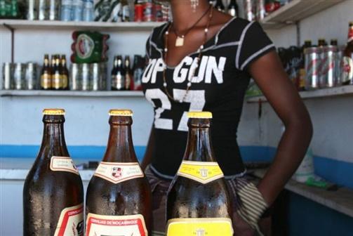 Garrafas de cerveja serão reutilizadas para reduzir importação de vidro