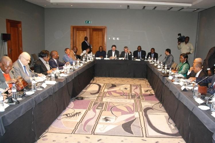 Governo e Renamo aceitam proposta de  suspensão de hostilidades