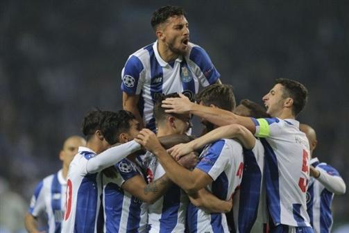 """FC Porto """"atropela"""" Leicester e garante oitavos"""
