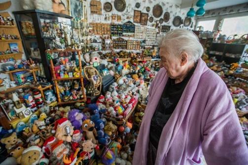 Idosa tem uma colecção de mais de seis mil brinquedos