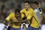 Brasil goleia Uruguai no Estádio Centenário