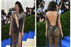 Kendall deixa (quase tudo) à mostra na Met Gala