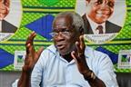 Dhlakama diz que 42 anos depois Moçambique continua pobre
