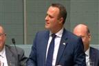 Deputado australiano pede namorado em casamento no parlamento