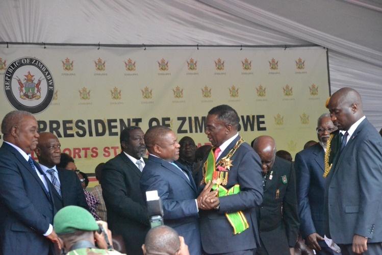 PR Nyusi recebe Emmerson Mnangagwa