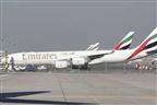 Jovem expulsa de avião devido a dores menstruais