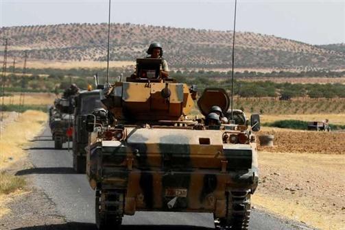 Forças turcas assumem controlo de vários bairros de Afrine