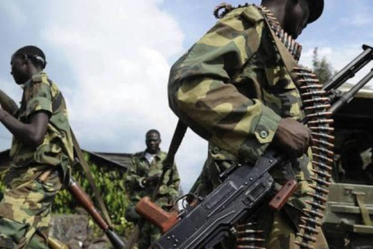 Rebeldes matam 13 civis e sequestram 12 crianças na RDC