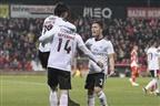 Benfica continua a pressionar o líder