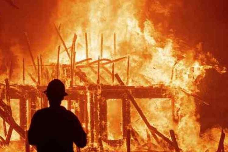 Homem incendeia casa da ex-mulher em Maputo