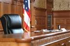 Homem pede julgamento por combate por causa da custódia do filho