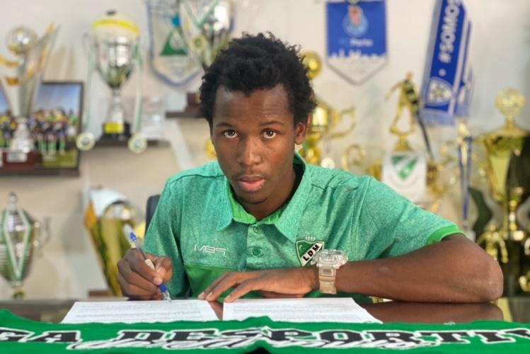 Jossias Dlhakama assina pela Liga Desportiva de Maputo