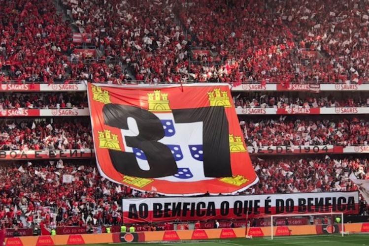 Highlights | Resumo: Benfica 4-1 Santa Clara (Liga 18/19 #34)