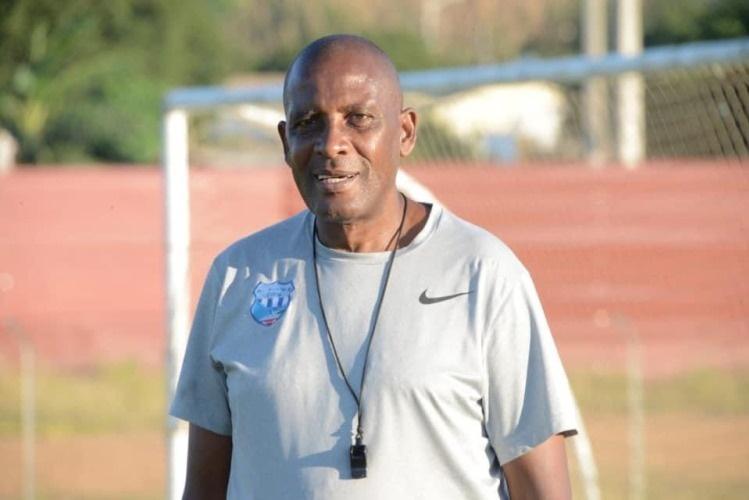 Nacir Armando deixa o comando técnico da UD Songo
