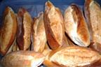Governo e panificadores assinam acordo para evitar subida de preço do Pão