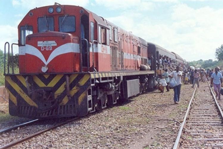 Descarrilamento de comboio mata duas pessoas em Cuamba